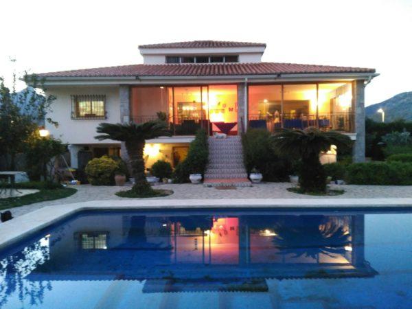 Villa Florencia Dinning Terrace
